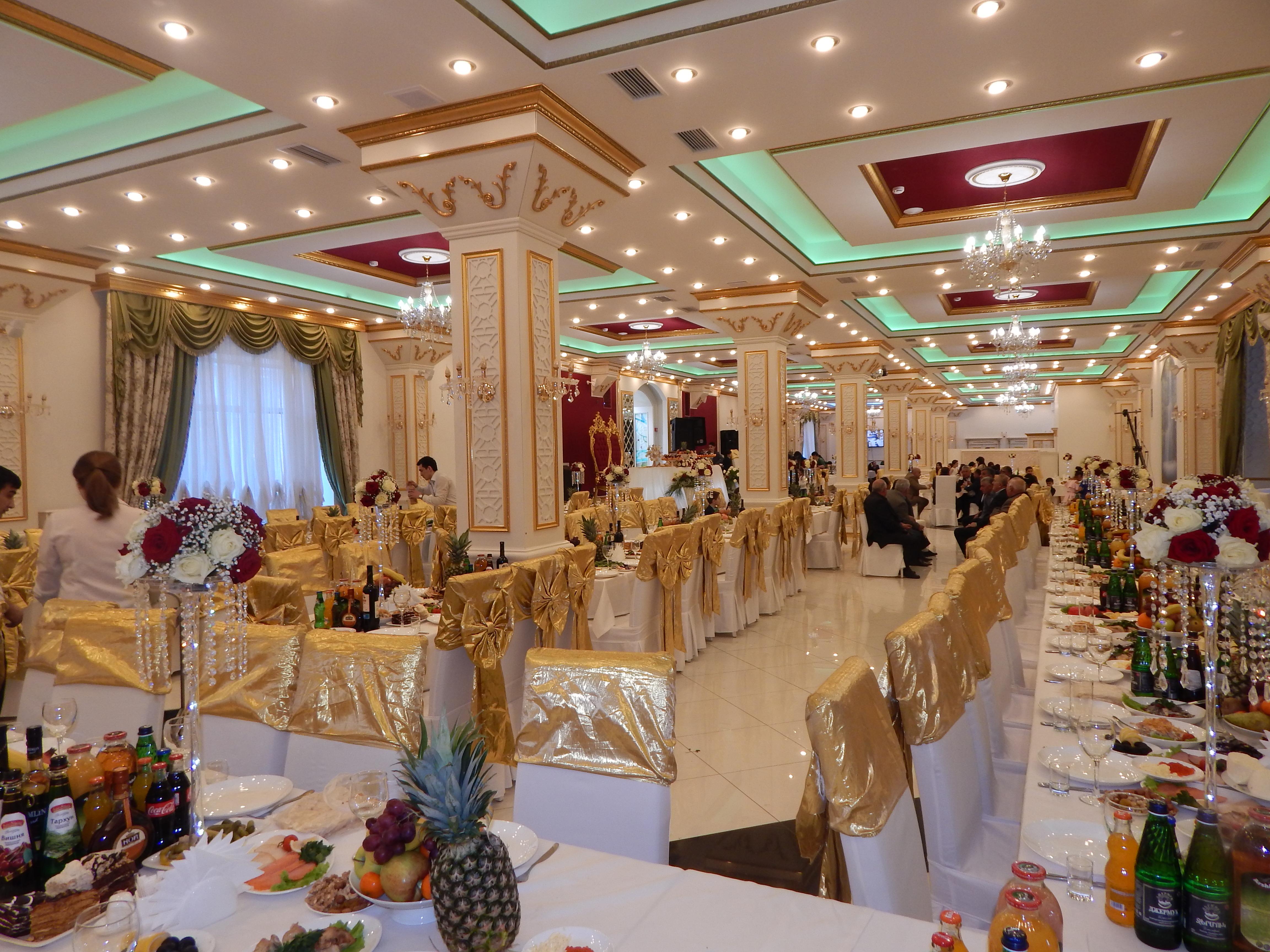 комната украшенная цветами фото